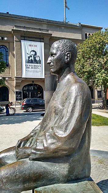 Brecht in front of Berliner Ensemble